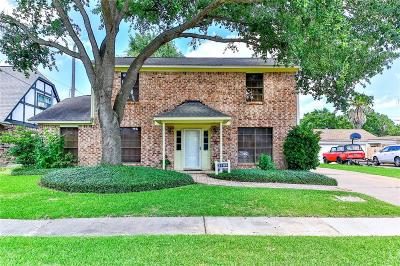 La Porte Single Family Home For Sale: 3109 Old Hickory Drive