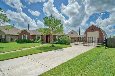 Manvel Single Family Home For Sale: 6715 Eagle Run