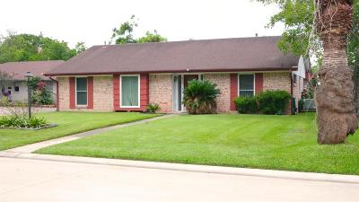Seabrook Single Family Home For Sale: 1414 Delabrook Court