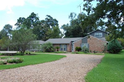 Magnolia Single Family Home For Sale: 915 Tall Pines Drive