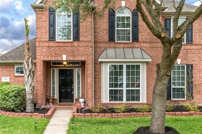Pearland Single Family Home For Sale: 10111 Brookshore Lane