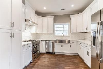 Single Family Home For Sale: 730 Thistlewood Drive