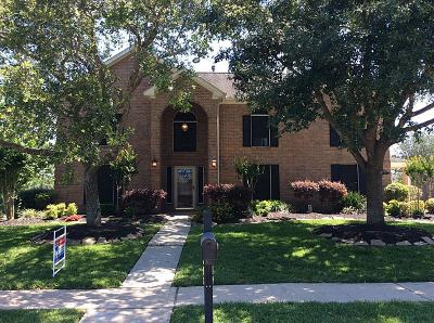 Friendswood TX Single Family Home For Sale: $440,000