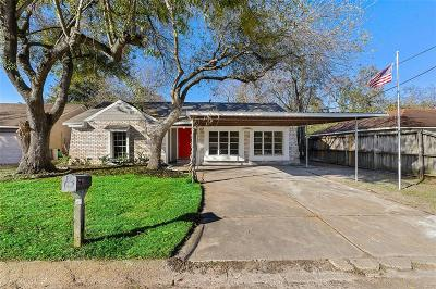 Baytown Single Family Home For Sale: 3105 Long Meadow Drive
