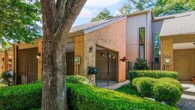 Houston Condo/Townhouse For Sale: 9400 Doliver Drive #63