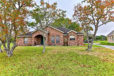 La Porte Single Family Home For Sale: 1106 Ridgevalley Drive