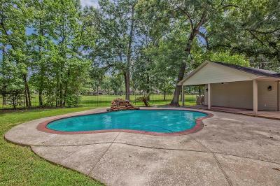 Humble Single Family Home For Sale: 8023 17th Green Drive