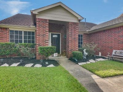 League City Single Family Home For Sale: 540 Cedar Branch Drive