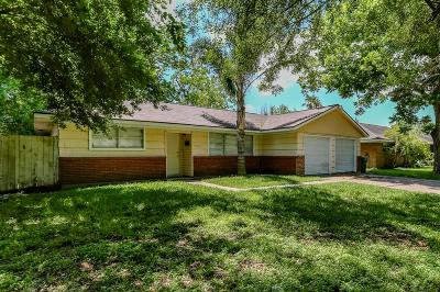Pasadena Single Family Home For Sale: 3520 Tanglebriar Drive
