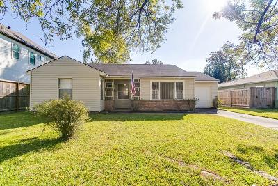 Bellaire Single Family Home For Sale: 4627 Maple Street