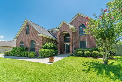 Baytown Single Family Home For Sale: 2207 Magnolia Bend