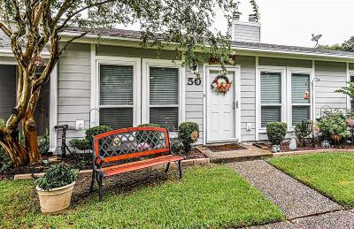 Friendswood Condo/Townhouse For Sale: 50 Hideaway Drive #50