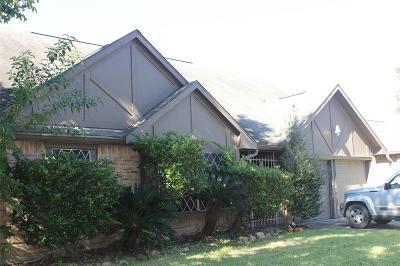 Houston Single Family Home For Sale: 178 Moonridge Drive