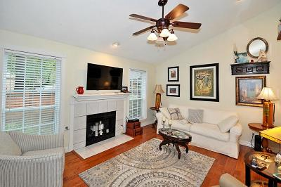 The Woodlands Condo/Townhouse For Sale: 2 Willowwood Circle
