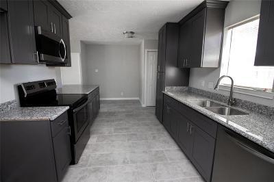 Deer Park Single Family Home For Sale: 1013 James St