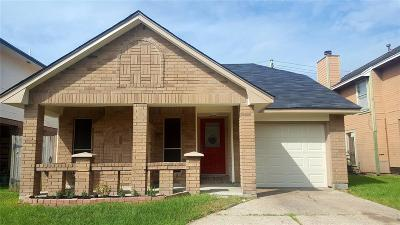 Baytown Single Family Home For Sale: 4735 Woodford Street