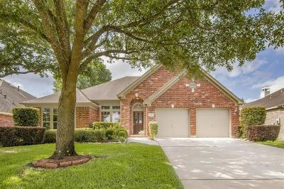 Single Family Home For Sale: 7407 Fall Creek Bend