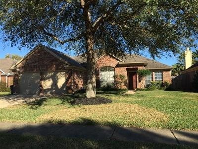 League City Rental For Rent: 208 Hollander Court