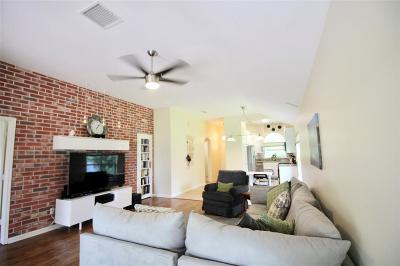 Single Family Home For Sale: 135 Golfview Drive