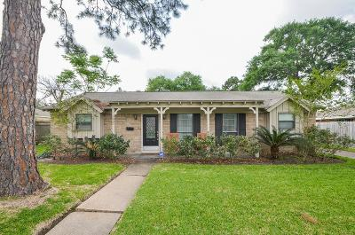Houston Single Family Home For Sale: 5807 Burlinghall Drive