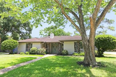 Friendswood Single Family Home For Sale: 415 Glenlea Drive
