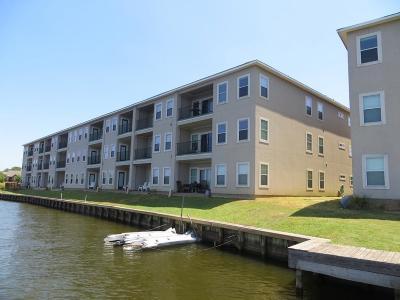 Willis Condo/Townhouse For Sale: 7037 Kingston Cove Lane #214