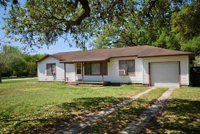 Moulton Single Family Home For Sale: 604 S Hackberry