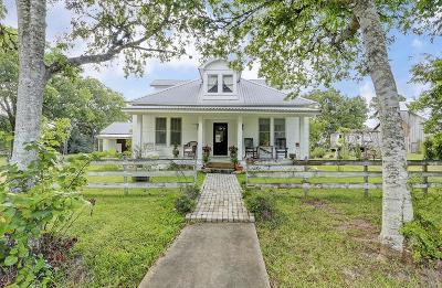 New Ulm Farm & Ranch For Sale: 810 Walnut Street