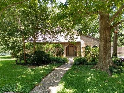 Friendswood Single Family Home For Sale: 206 Saint Cloud Drive
