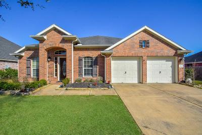 Pearland Single Family Home For Sale: 7503 Lakeside Manor Lane
