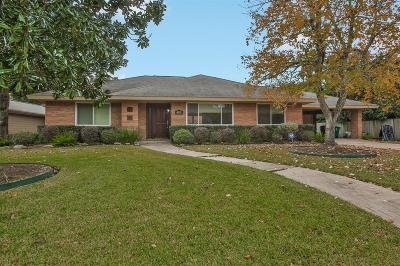 Houston Single Family Home For Sale: 4831 Creekbend Drive