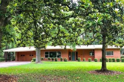 Lake Jackson Single Family Home For Sale: 210 Oyster Creek Drive Drive