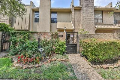 West University Place Condo/Townhouse For Sale: 3138 W Holcombe Boulevard #8138