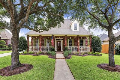 Jersey Village Single Family Home For Sale: 8642 Wyndham Village Drive