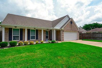 Deer Park Single Family Home For Sale: 1521 Garden Circle