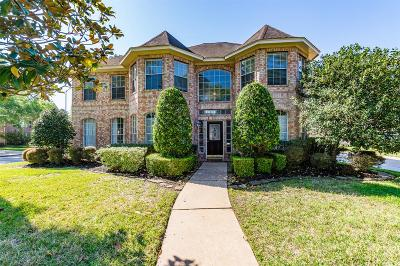 Baytown Single Family Home For Sale: 3022 Parkwood Drive