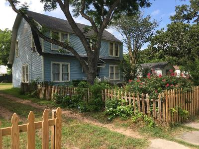 Hallettsville Single Family Home For Sale: 605 E 2nd Street