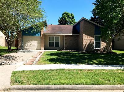 Pearland Single Family Home For Sale: 1011 E Belgravia Drive