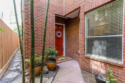 Houston Condo/Townhouse For Sale: 4208 Childress Street