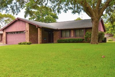 Baytown Single Family Home For Sale: 1109 Sagebrush Trail
