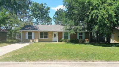 Willis Single Family Home For Sale: 216 Laurie Lane