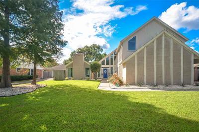 Seabrook Single Family Home For Sale: 4210 Lake Grove Drive