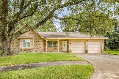 Seabrook Single Family Home For Sale: 2325 Nassau Drive