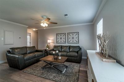 Galveston Single Family Home For Sale: 1522 Bay Meadows Street