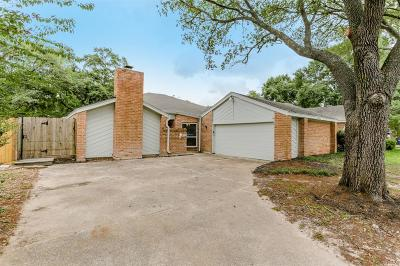 Single Family Home For Sale: 4522 Hickory Downs Drive