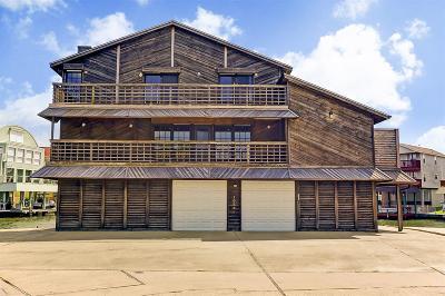 Tiki Island Single Family Home For Sale: 1066 Long Reach Drive
