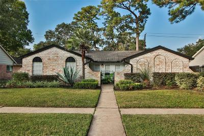 Single Family Home For Sale: 1122 Candlelight Lane