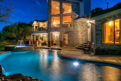 Montgomery Single Family Home For Sale: 22 La Jolla Circle