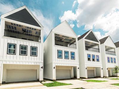 Single Family Home For Sale: 416 N Live Oak Street