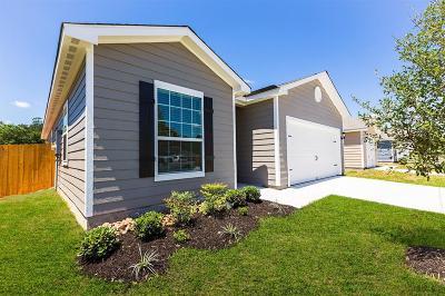 Magnolia Single Family Home For Sale: 27012 Leonardo Drive